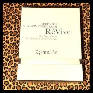 ReVive Even Skin Tone Cream Dark Spot Corrector
